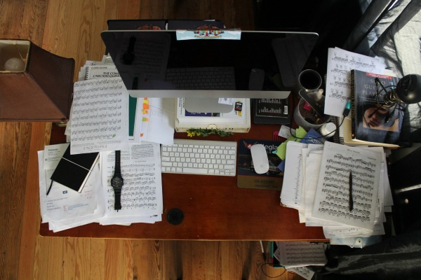 how to get organized messy desk